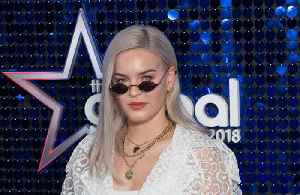 Anne-Marie plays hotel set after Korean show is cancelled [Video]