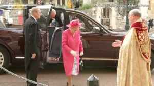 You Can Tour Buckingham Palace Now That the Queen Is on Vacation [Video]