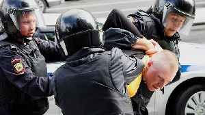 Watch: Hundreds detained as protest hit Moscow for a second weekend [Video]