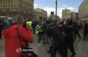 Russian police detains hundreds of protesters [Video]