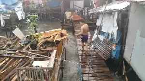 Tropical storm batters coastal homes in the Philippines [Video]
