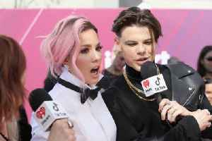 Halsey praises Yungblud for making her 'soul gleam' [Video]