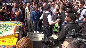 News video: Traffic chaos as fans mark 50th anniversary of Beatles' Abbey Road