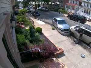 Minivan Collides with Car in Queens [Video]