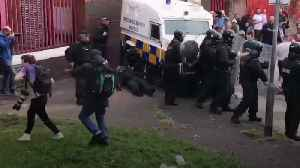 Belfast police clash with bonfire supporters [Video]