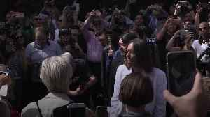 Beatlemania hits Abbey Road as fans celebrate 50th anniversary of famous album cover [Video]