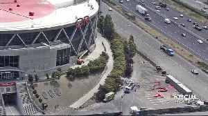 East Bay Warriors Fans Wistful as Last Vestige of 'Oracle' at Oakland Arena Removed [Video]