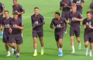 Neymar trains with PSG despite rumours of a return to Spain [Video]