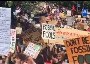 'Don't Be a Fossil Fool': Climate Change Protesters Rally in Lausanne [Video]