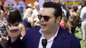 News video: 'The Angry Birds Movie 2' Premiere: Josh Gad