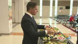 Miami-Dade County Schools, Superintendent Alberto Carvalho Introduce New Lunch Items [Video]