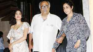 Sridevi's LAST Birthday Dinner With Janhvi Kapoor, Boney Kapoor, Khushi Kapoor | THROWBACK [Video]