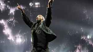 Drake becomes the first solo artist to break 200 appearances on the 'Billboard' Hot 100 [Video]