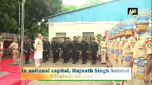 Rajnath SIngh unfurls tricolour at his residence in Delhi [Video]