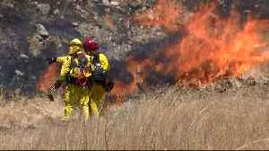 Crews Battle Heat from Flames and Weather in San Jose Brush Fire [Video]