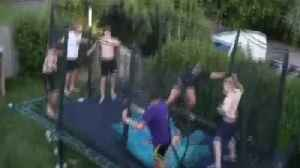 Teen completes six somersaults off a trampoline [Video]
