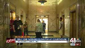 Downtown Jackson County Courthouse down to one working elevator, causing frustration [Video]
