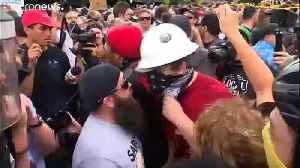 Far-right and anti-fascist groups clash at a rally in the American city of Portland [Video]