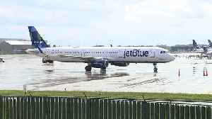 Jet Blue plane makes emergency landing at Cleveland Hopkins International Airport [Video]