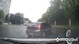 Spinning Car Collision on Russian Road [Video]