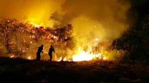 Gran Canaria wildfire rages out of control as 8,000 are evacuated [Video]