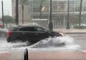 Thunderstorms Cause Street Flooding in New Orleans [Video]
