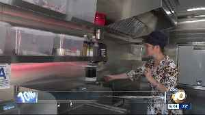 Couple purchases food trailer to feed homeless [Video]