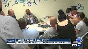Denver Mayor visits halfway house weeks after city council votes to end funding [Video]