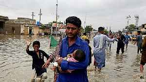 Pakistan floods: Scores of people evacuated