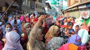 Thousands participate in pro-freedom rally in Srinagar outpost [Video]
