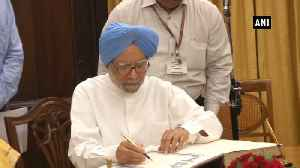Manmohan Singh takes oath as Rajya Sabha member for Rajasthan [Video]
