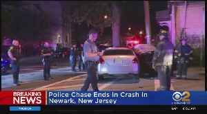 Police Chase Ends In Crash In Newark, New Jersey [Video]