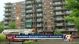 Cincinnati building evacuated due to fire [Video]