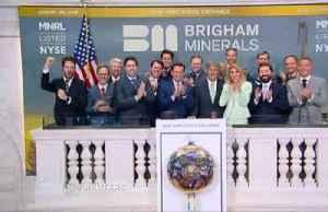 Wall Street mixed ahead of holiday weekend [Video]