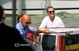 Joaquin Phoenix brings his 'Joker' to Venice [Video]
