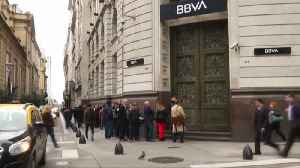 Argentina restricts dollar purchases as crisis deepens [Video]
