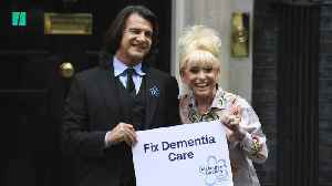 Dame Barbara Windsor Delivers Dementia Petition To Downing Street [Video]