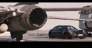 Porsche Taycan - Performance test on aircraft carrier [Video]