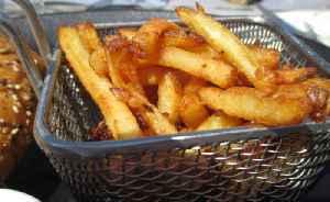 'Junk Food' Costs UK Teenager His Vision [Video]