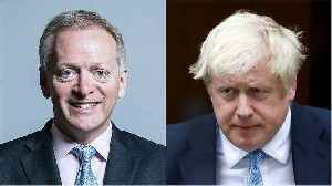 Boris Johnson loses parliamentary majority after MP Phillip Lee defects to Lib Dems [Video]