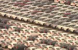 India's economy suffers car crash [Video]