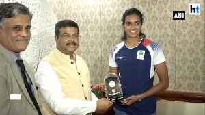 Watch: PV Sindhu meets Union Minister Dharmendra Pradhan after historic win [Video]