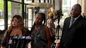 R. Kelly Friend Calls Him 'God's Gift'; Sisters Hope Singer Is Set Free [Video]