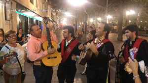 Kevin Spacey performs La Bamba in Spain [Video]