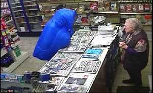 Elderly shopkeeper fights an armed robber [Video]