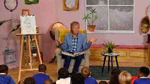Paul McCartney is the real 'Grandude' of book signing [Video]