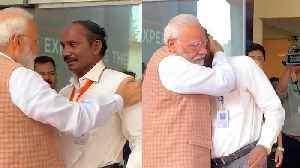 Chandrayaan 2 | PM Modi hugs, consoles ISRO chief as he breaks down [Video]