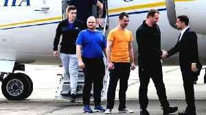 Planes land in landmark Russia-Ukraine prisoner swap [Video]