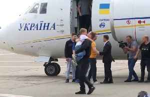 Russia and Ukraine swap prisoners in first sign of thawing relations [Video]