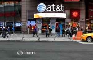 Elliott takes big stake in AT&T [Video]